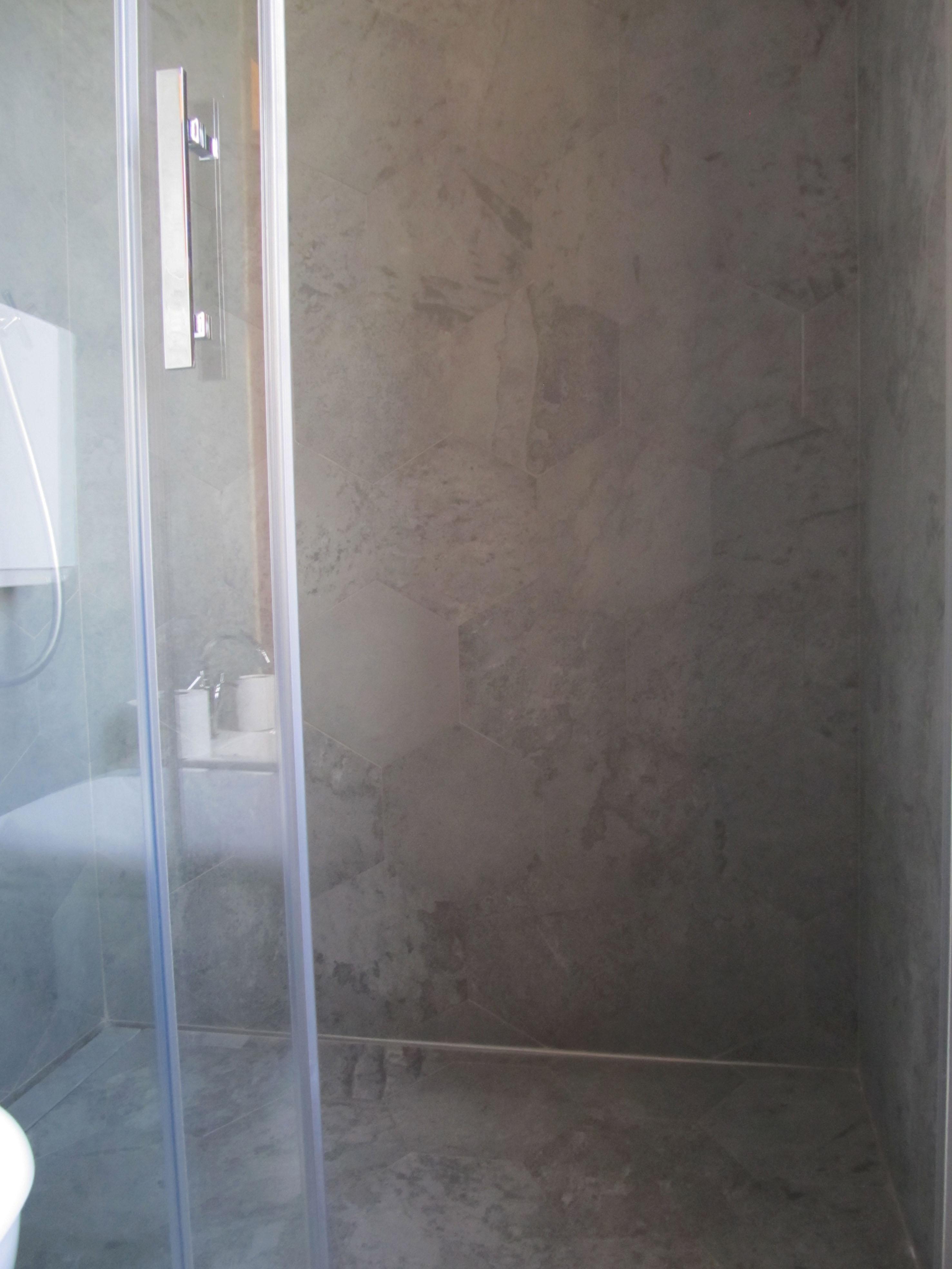 Pietra - Rivestimento doccia in pietra ...
